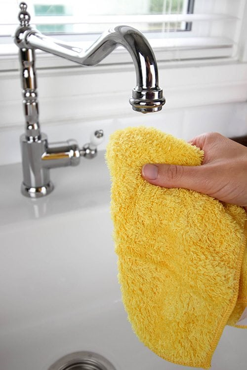 If it seems like your house never stays clean after you spend hours and hours trying to get it in tip-top shape, you're probably just making some pretty common - and easily fixable - housekeeping mistakes. I'm here to help!