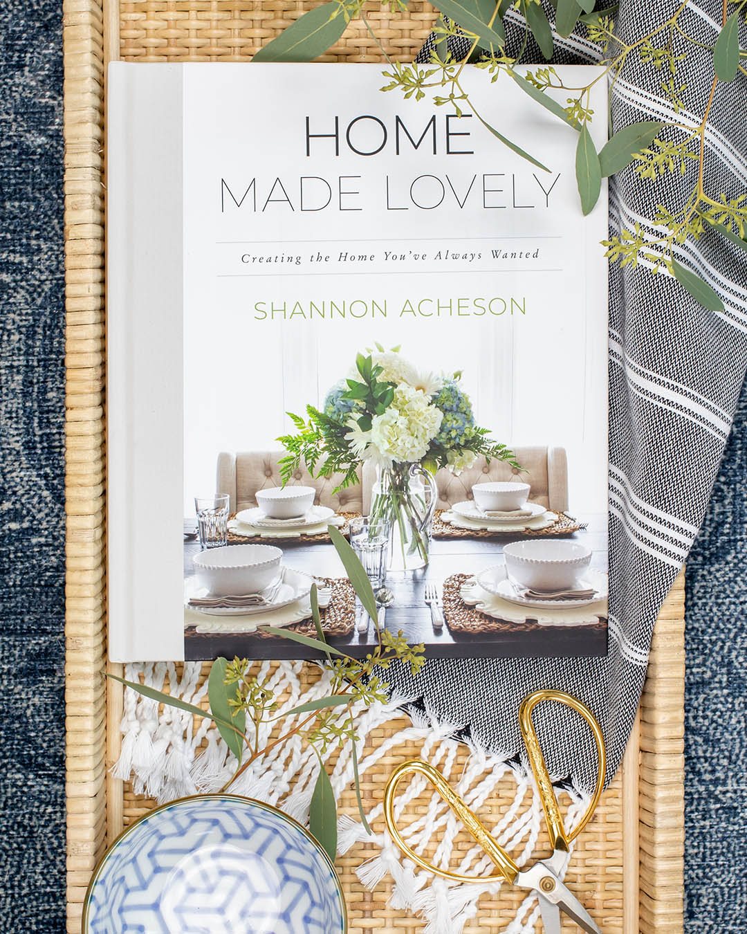 This is my review of Shannon Acheson's new Home Made Lovely book, a great book about decorating to create a home you love, and then sharing it with others.