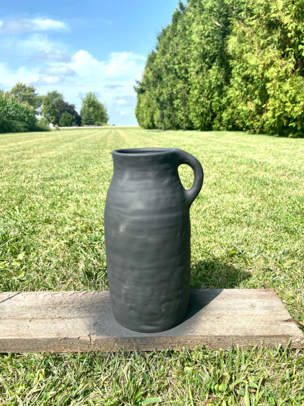 Today I'm sharing a trick I learned for creating a beautiful matte black finish on ceramic pieces. Here's my DIY matte black ceramic vase!
