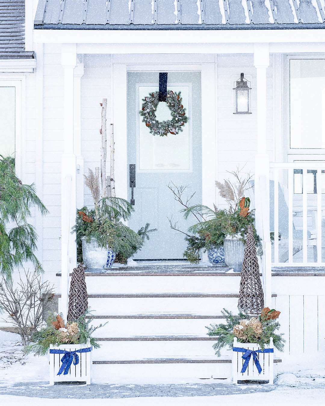 Today I'll be sharing how I've decorated our front porch for Christmas this year! Here's our Christmas front porch 2020!