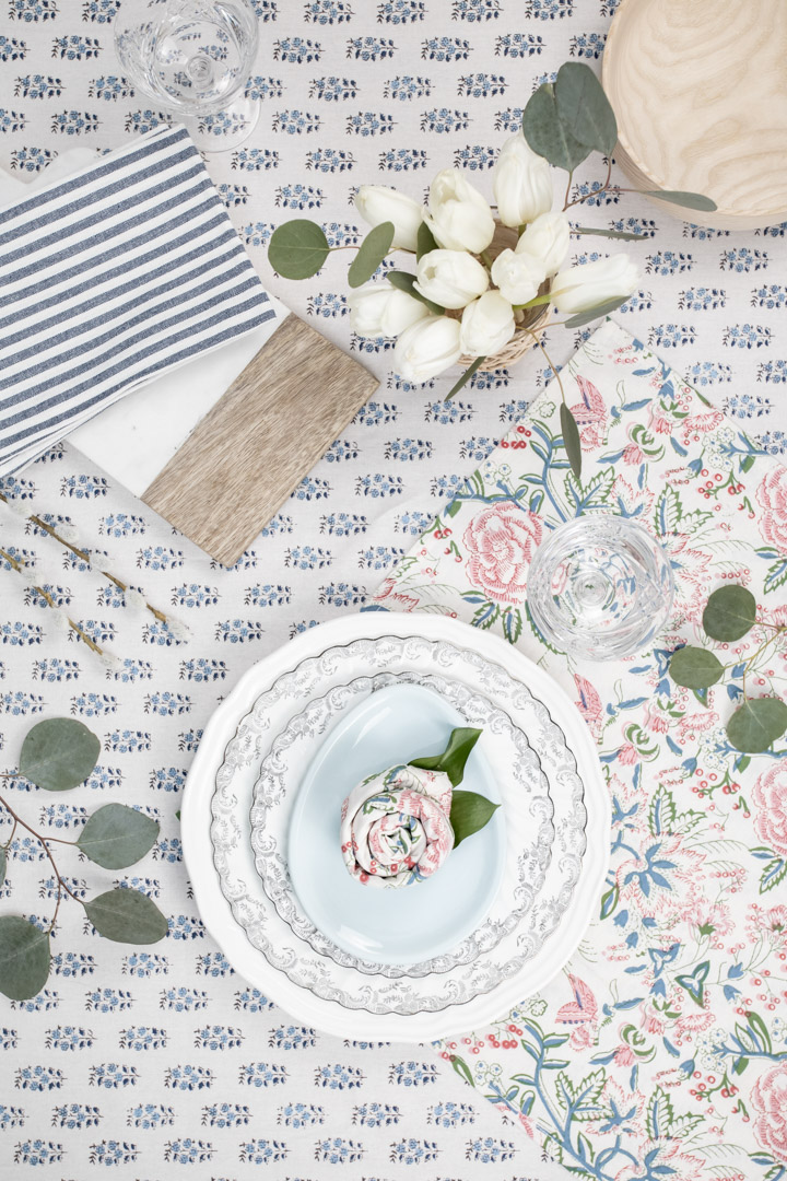The perfect addition to any spring or summer table! Here's how to do the rose napkin fold!