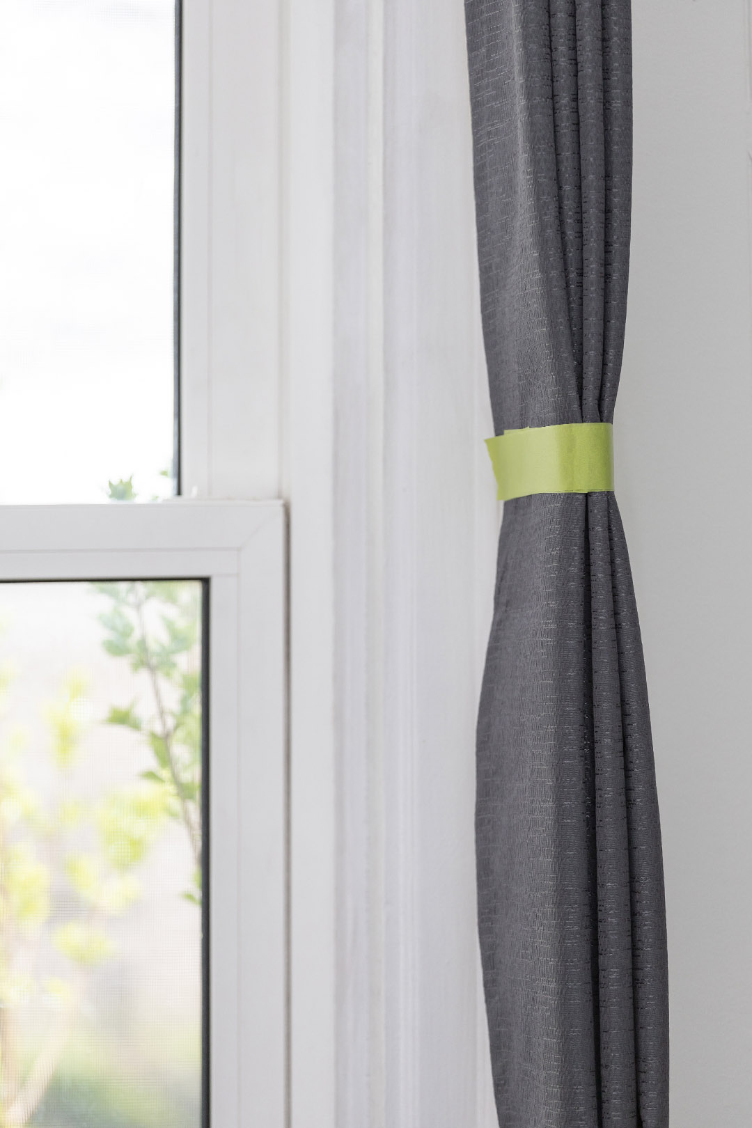 This is something I wish I knew about a long time ago! Here's how to get new curtains to hang straight! Such a great trick.