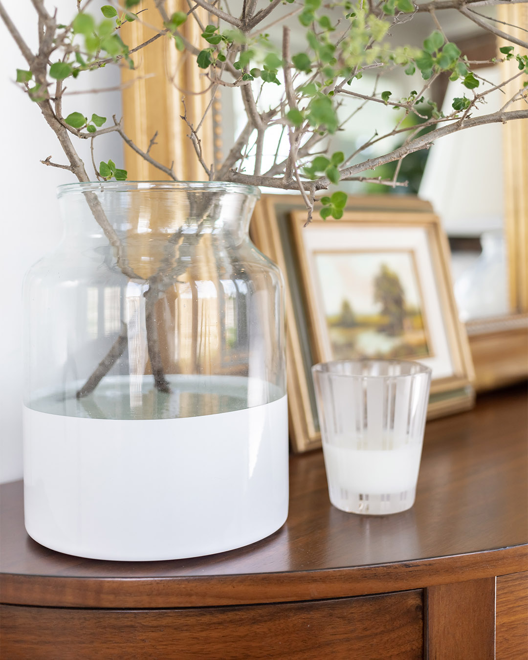 The Etu Home Colorblock vase is everywhere lately. This super popular vase is quite an investment, but is it worth it? I bought one and today I'll tell you what I think.