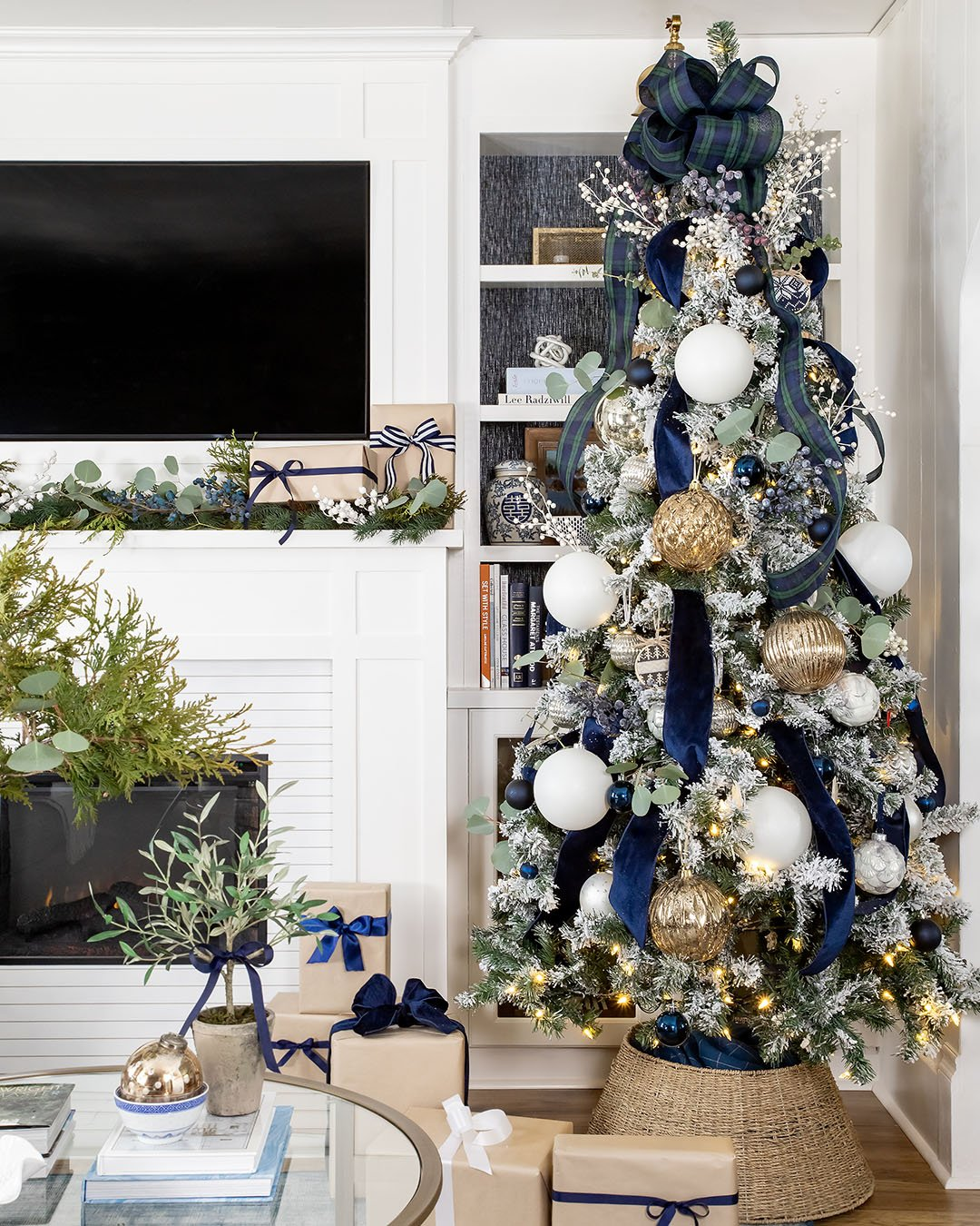 This is the eighth post in a year-long series all about taking baby steps to prepare for a stress-free Christmas. Here's what to do in October to get ready for Christmas!